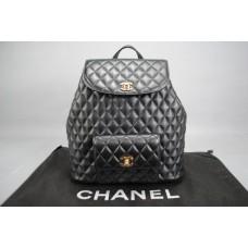 Chanel %100 HAKİKİ KUZU DERİSİ VİNTAGE SIRT ÇANTASI