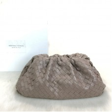 Bottega Veneta The Pouch in Maxi İntreccio Clutch